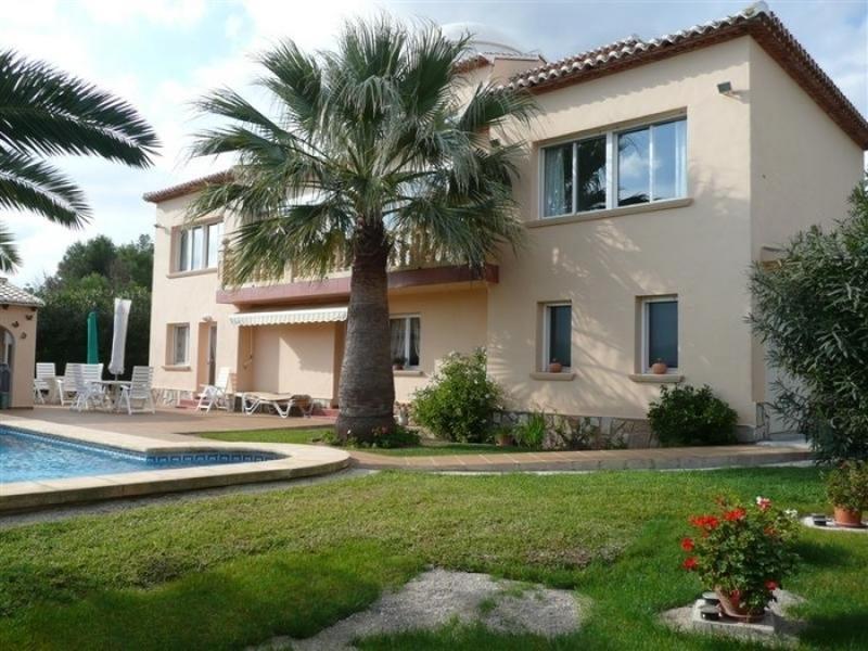 Villa située dans un cadre idyllique à Javea