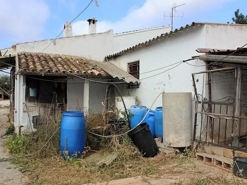 Maison de campagne en bon état beaucoup de potentiel à Gata de Gorgos